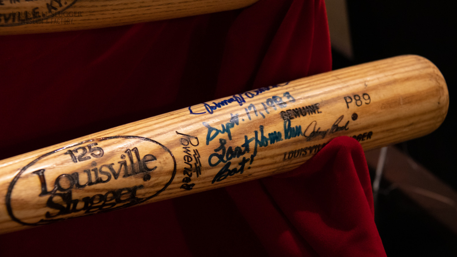 Close up of Johnny Bench's 389th homerun bat, signed by Bench.